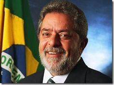 CARLOS  -  Professor  de  Geografia: Brasil melhorou com Lula