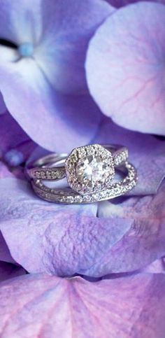 This Victorian-inspired matched set is timeless and elegant.