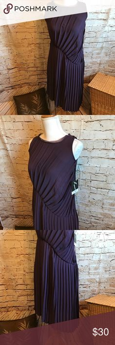 """Simply Vera Purple Dress """"BNWT"""" retail $68 All my items are clean and in New or Like New Condition. If you see something you like, please make an offer, if you have a question, please ask away. Simply Vera Vera Wang Dresses Midi"""