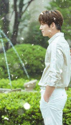 Ji Chang Wook Smile, Ji Chang Wook Healer, Ji Chan Wook, Healer Korean, Kim Wo Bin, Ji Chang Wook Photoshoot, Empress Ki, Sexy Asian Men, Suspicious Partner