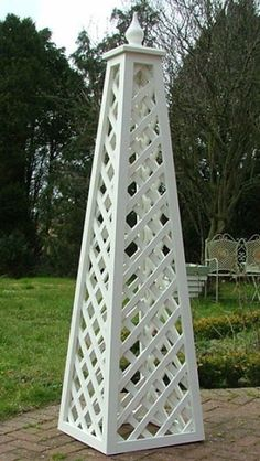 The Chelsea Wooden Garden Obelisk