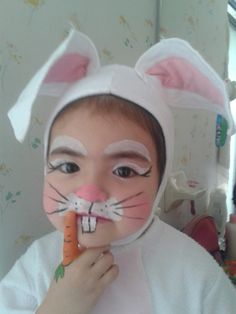 Easter Bunny Costumes which are funny, fluffy & actually fantastic Easter Bunny Costumes are the best way to spread the Easter cheer. Celebrate this spring festival with some funny and cute Bunny costumes ideas. Bunny Halloween Makeup, Bunny Makeup, Bunny Halloween Costume, Rabbit Costume, Diy Halloween Costumes For Kids, Diy Costumes, Animal Costumes, Bunny Face Paint, Easter Face Paint