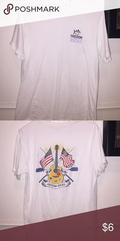 Southern Tide tshirt Southern tide white tshirt, men's medium Southern Tide Shirts Tees - Short Sleeve