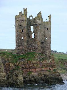 Scotland Castles, Scottish Castles, Castle Ruins, Medieval Castle, Rando, Travel Oklahoma, England And Scotland, Ancient Ruins, Ancient Architecture