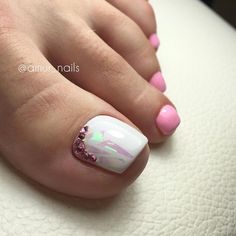 Pink-White Toe NailArt