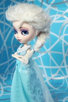beautiful pullip custo elsa frozen diney sale on ebay : http://www.ebay.fr/itm/poupee-pullip-custom-Ooak-FC-Elsa-Frozen-Reine-des-neiges-by-Tsubasa-/171255855742?pt=FR_YO_Jeux_PoupeesBeaute&hash=item27dfa4fa7e