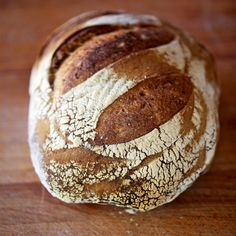 This delicious San Francisco sourdough style bread recipe from BakingMad.com has the flavour of a sourdough without all the fuss!