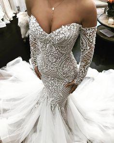 """5,114 Likes, 26 Comments - Casamento dos Sonhos (@sonhocasamento_) on Instagram: """"Este vestido é um sonho! . By:@leahdagloria . . . . #sexy #details #detalhes #dream #dress…"""""""