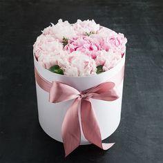 Dream Fierce Bouquet Box, Peonies Bouquet, Pink Peonies, Peony Arrangement, Luxury Hampers, Beauty And The Beast, Beauty Beast, Seasonal Flowers, Flowers Perennials