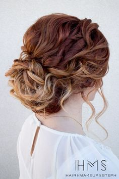 Beautiful and Creative Updo for Curly Hair - This stunning updos wedding hairstyle for medium length hair is perfect for wedding day,Wedding Hairstyle ideas