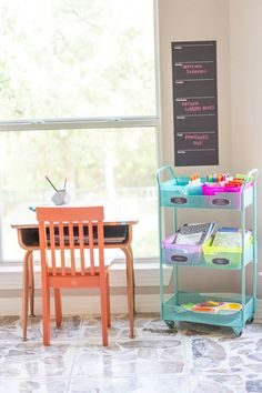Here are 17 great kid's homework stations and kid work areas. Lots of ideas here to help inspire you to figure out the best homework station. Kids Homework Station, Homework Desk, Kid Desk, School Supplies Organization, Home Organization, Organizing, Kids Workspace, Cool Desk Accessories, Muebles Home