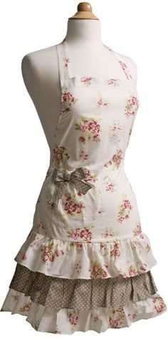 Vintage Apron   ... Life in The Green Mountains: Pretty Vintage Aprons * Flirty Aprons