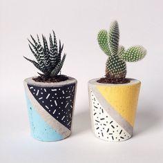 Jardinière en béton, cactus / plante grasse pot, à la main, à la main peint motif moderne de Memphis. Collaboration de l'édition limitée.