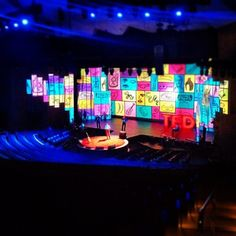 creative conference stage - Google 搜尋