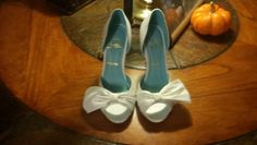 OfferUp - Christian Louboutin red crystal slingback shoes ( Clothing & Shoes ) in Matthews, NC Blue Wedding Shoes, Bridal Shoes, Red Louboutin, Slingback Shoes, Red Bottoms, Blue Shoes, Wedding Accessories, Jimmy Choo, Me Too Shoes