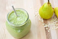 Packed with Vitamin A & C, this green smoothie packs a hefty antioxidant punch. Smoothie Packs, Smoothies, Nutribullet 600, Cooking Recipes, Healthy Recipes, Diet Tips, Baking Soda, Cool Hairstyles, Food And Drink