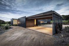 El Estudio Australiano Jam Arquitectura diseñó esta casa de vacaciones contemporánea ubicada en Fingal, una localidad rural de la península...