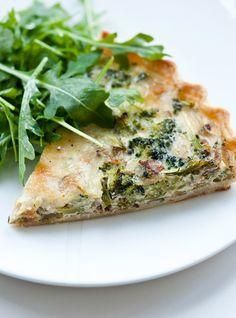 Quiche au brocoli Quiche Au Brocoli, Breakfast Recipes, Dinner Recipes, Ricardo Recipe, Egg Dish, Cooking Recipes, Healthy Recipes, Quiche Recipes, Broccoli And Cheese