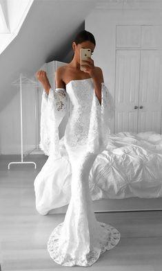 7b9222fd5d1d 74 najlepších obrázkov z nástenky Jednoduché svadobné šaty  Simple ...