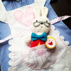 DIY Queen Kwak hand made Alice in Wonderland fancy dress costume white rabbit pocket embroidered name felt ribbon school dress hand stitched