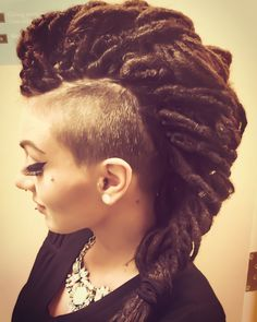 Synthetic double ended dreadlocks I'm French braid with undercut Mohawk - Best New Hair Styles Dreadlock Mohawk, Dread Braids, Synthetic Dreadlocks, Undercut Mohawk, Mohawk Braid, Dreadlock Hairstyles, Messy Hairstyles, Extension Dreadlocks, Short Hair Dont Care