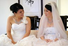 Taiwan had their 1st same-sex Buddhist wedding. Congratulations to Huang Mei-yu and Yu Ya-ting on their love and making #LGBT history!