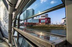 Vanuit drijvend paviljoen Rijnhaven