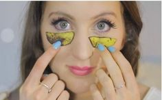 she-places-pieces-of-bananas-on-her-face-and-later-something-unbelievable-is-happening