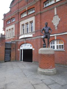 Statue of Johnny Haynes at Craven Cottage, home of Fulham FC    http://analogueboyinadigitalworld.wordpress.com/2013/02/06/fulham-v-manchester-united-photo-special/