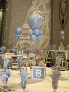 Baby boy baby shower decorating tables with blue balloons and teddy bears. It is super cute. babyteddybear Baby boy baby shower decorating tables with blue balloons and teddy bears. It is super cute. Décoration Baby Shower, Baby Shower Balloons, Shower Party, Baby Shower Parties, Teddy Bear Baby Shower, Baby Shower For Boys, Shower Favors, Boy Baby Showers, Baby Shower Buffet