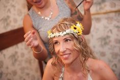 Matrimonio con girasoli: 43 idee da non farvi sfuggire! Crown, Fashion, Wedding, Moda, Corona, Fashion Styles, Fashion Illustrations, Crowns, Crown Royal Bags