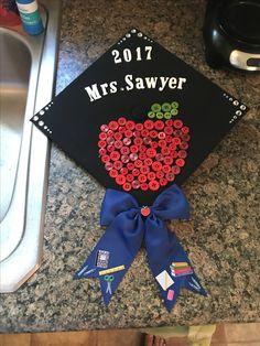 Teacher Graduation Cap - Decoration For Home Teacher Graduation Cap, College Graduation Parties, Graduation Cap Designs, Graduation Cap Decoration, Grad Cap, Graduation Photoshoot, Cap Decorations, Graduation Pictures, Educational Activities