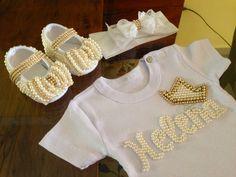 Kit personalizado compondo :Body, tiara e sapatinho luxo !