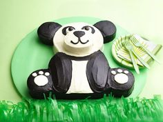 Are you interested in making a panda cake for a child's birthday? Panda cakes can be simple or elaborate. Here are some ideas for making a more simple panda cake that is not too time consuming. Panda Bear Cake, Bolo Panda, Panda Cakes, Bear Cakes, Easy Kids Birthday Cakes, Birthday Desserts, Bear Birthday, Panda Birthday Cake, 15 Birthday