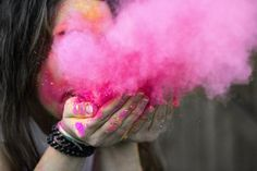 Will You Miss Your Family on this Holi? Celebrate this Holi at these Upcoming Events in Delhi. Holi Colors, Holi Celebration, Look Thinner, Shooting Photo, Color Powder, Female Photographers, Fashion Advice, Fashion Ideas, Fashion Outfits