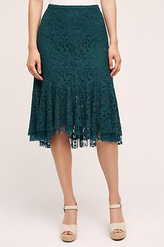 Ruffled Lace Skirt                                                                                                                                                     Más