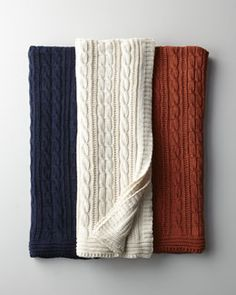H6FR6 Cable-Knit Cotton Throw