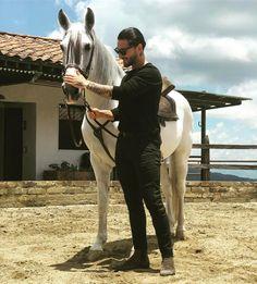 """867.2k Likes, 13.1k Comments - MALUMA (@maluma) on Instagram: """"Quién es amante a los caballos como yo?? ❤ Pronto les muestro los nuevos miembros de la familia..!!"""""""