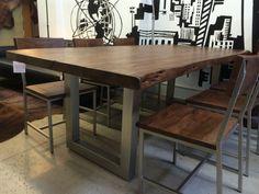 Table à manger en bois récupéré par ModManhattan sur Etsy