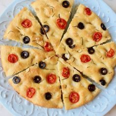 Vegan Rosemary Focaccia Bread with Cherry Tomatoes and Olives. - #bread #cherry #focaccia #olives #rosemary #tomatoes #vegan - #ZuppaToscanaSuppe