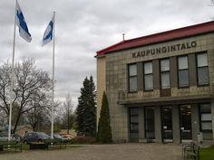 Jämsän kaupungintalo toukokuu 2015. Sateinen keli ei kehittäjän mieltä paina, päinvastoin!