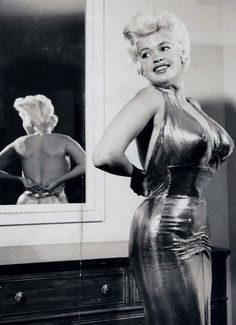 Jayne Mansfield looking oh so sexy!