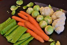 Onze lichamen gedijen op al wat fris en vitaal is. Raw food diëten bevorderen het eten en drinken van 'levend' voedsel. Een dieet van ten minste 75% raw food biedt tal van voordelen voor de gezondheid, te beginnen met gewichtsverlies en ontgiften. Lees meer over alle voordelen van een raw food dieet en probeer een aantal eenvoudige maar lekkere recepten!
