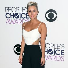 Kaley Cuoco Breast Implants: See Her Plastic Surgery Transformation - Life & Style Kaley Cuoco Body, Big Bang Theory Actress, Kaley Cucco, Prettiest Actresses, Beautiful Celebrities, Plastic Surgery, Her Hair, Hot Girls, Sexy Women