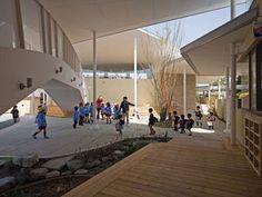 [建築]I wanted to go to a kindergarten like this! Education Architecture, Modern Architecture, Soho House, My House, Ecole Design, Arch Interior, Id Design, Nursery School, Kid Spaces