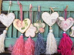 Souvenir Dollar Store Crafts, Diy Crafts To Sell, Sewing Crafts, Sewing Projects, Shabby Chic Hearts, How To Make Tassels, Diy Tassel, Clay Ornaments, Boho Diy