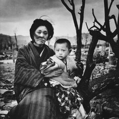 woman-child-hiroshima-ruins