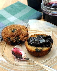 Blueberry Jam with Cinnamon, a big batch in just 90 minutes. Recipe, tips, nutrition & Weight Watchers points @ KitchenParade.com.