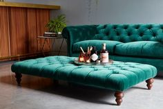 Terrific emerald green velvet chesterfield sofa from Darlings of Chelsea The post emerald green velvet chesterfield sofa from Darlings of Chelsea… appeared first on Decor For Home . Living Room Green, Living Room Sofa, Living Room Furniture, Home Furniture, Living Room Decor, Furniture Design, Furniture Ideas, Living Area, Sofa Ideas
