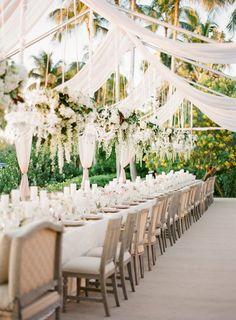 nice Faboulus Secret Garden Party Reception on a Budget  https://viscawedding.com/2017/04/01/faboulus-secret-garden-party-reception-budget/